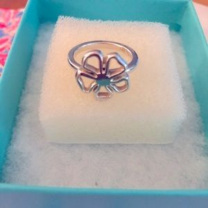 Tiffany & Co Flower Ring. In Excellent Condition